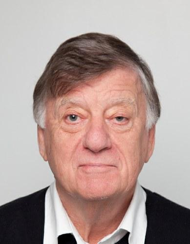 Dr Colin   Barnes