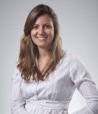 Professor Carina  Costa de Oliveira